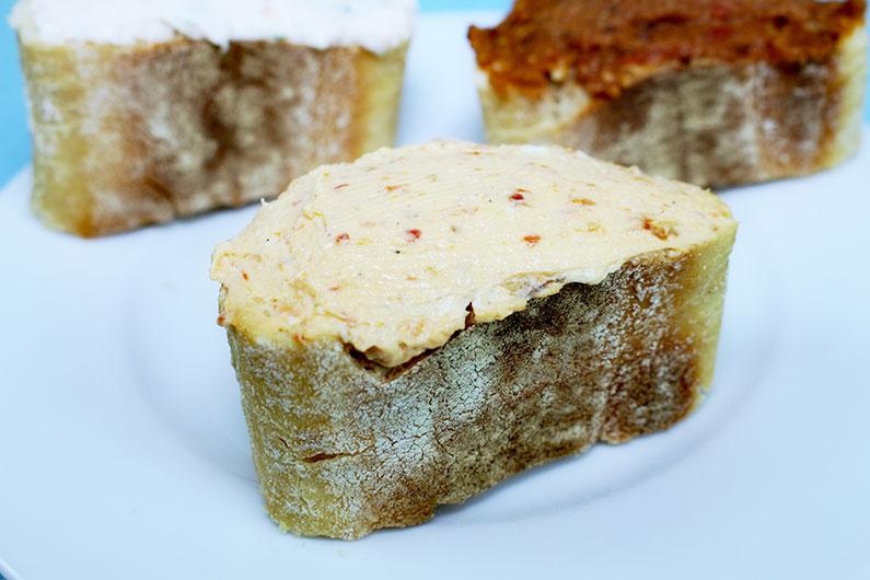 Toskana Aufstrich auf Brot
